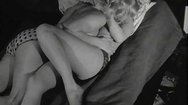 Gia cinta - Nya mandi uap penuh dengan tubuh 1080p bekep panas